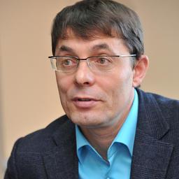 Геннадий СЮМАКОВ