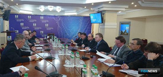 Совещание с участием судостроительных и рыбохозяйственных предприятий прошло в правительстве Сахалинской области