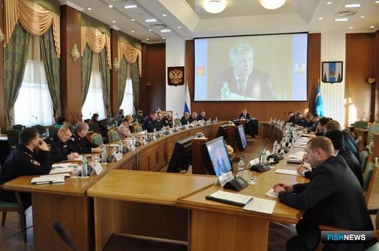 Тему охраны водных биоресурсов обсудили на координационном совещании. Фото пресс-службы правительства Сахалинской области.