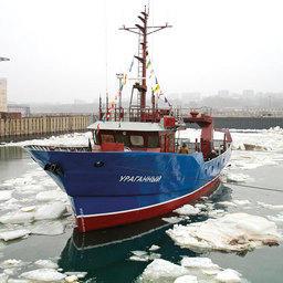 """Печальный пример постройки никому не нужного судна под громким названием """"Ураганный"""" в Приморье"""