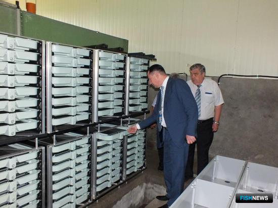 Петр Савчук лично осмотрел все помещения и оборудование завода