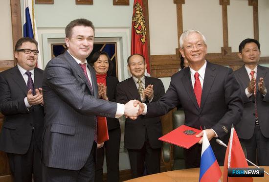 Встреча губернатора Приморского края Владимира Миклушевского с делегацией Вьетнама