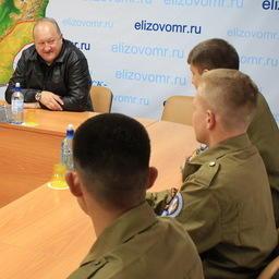 Глава Камчатского края Владимир Илюхин встретился с бойцами студенческого отряда «Вулкан». Фото пресс-службы правительства региона