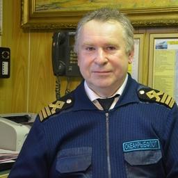 Капитан транспортного судна «Бухта Русская» Виктор СМИРНОВ