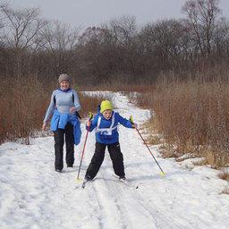 Семилетний Герман ГУСАРОВ прошел с мамой (преподавателем Дальрыбвтуза) всю лыжню