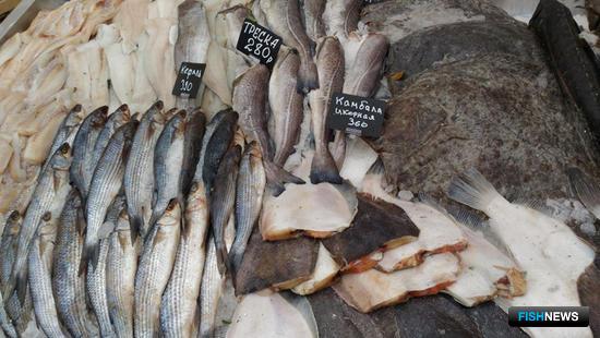 В торговых рядах можно было найти рыбу в любом виде