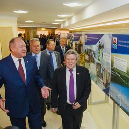 После «часа субъекта» участники заседания посетили выставку, посвященную Камчатке
