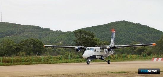 В рыбацком поселке Преображение впервые за 25 лет сел самолет из Владивостока. Фото пресс-службы ПБТФ