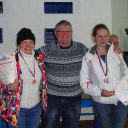 Бронзовые призеры рыбацкой лыжни в личном зачете - Надежда ВОВЧЕНКО (Дальрыбвтуз) и Анна ВОЖОВА (ТИНРО)
