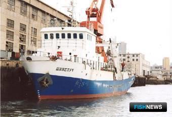 Суда, построенные китайскими верфями по собственным проектам для российских заказчиков: Рыболовный траулер-морозильщик 38,5х7,6мм и обьемом трюма 140 куб.м