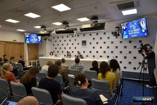 Руководитель Росрыболовства Илья ШЕСТАКОВ на пресс-конференции в Санкт-Петербурге. Фото пресс-службы ФАР