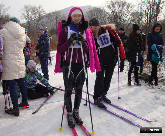 На старте чемпионка соревнований – третьекурсница Дальрыбвтуза Валентина КАНДАУРОВА