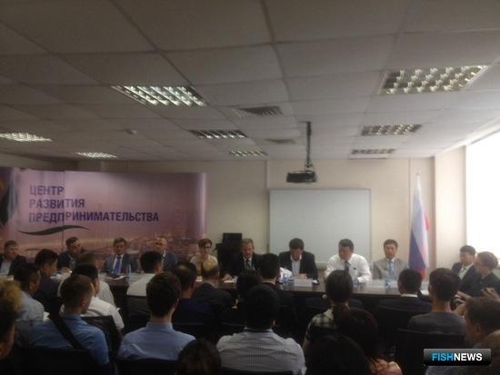 Во Владивостоке состоялся российско-китайский форум по торгово-экономическому сотрудничеству в области водного промысла