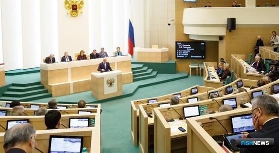 Сенаторы одобрили поправки по пересечению границы для рыбацких судов. Фото пресс-службы Совета Федерации.