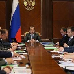 Совещание по улучшению инвестиционного климата провел глава Правительства Дмитрий Медведев. Фото пресс-службы кабмина