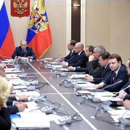 Президент Владимир ПУТИН на совещании с членами правительства. Фото пресс-службы главы государства