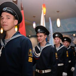В Дальрывтузе отметили 55-летие путинного отряда «Голубой меридиан». Фото пресс-службы университета