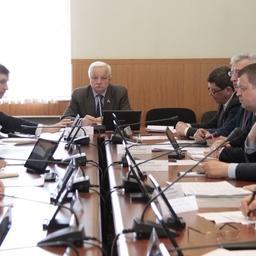 Заседание комитета по природопользованию, экологии, рыбохозяйственному и агропромышленному комплексу Мурманской областной думы. Фото регионального парламента