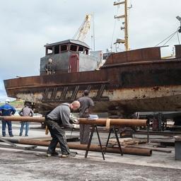 На судоремонтном участке «Курильского рыбака» реконструируют старые РБ-80 практически с нуля. Фото предоставлено предприятием
