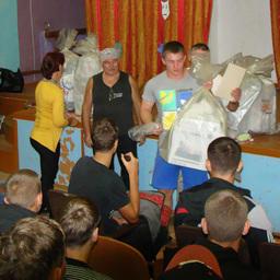 Призы за третье место по мини-футболу: диплом и медали – вручаются команде Дальрыбвтуза