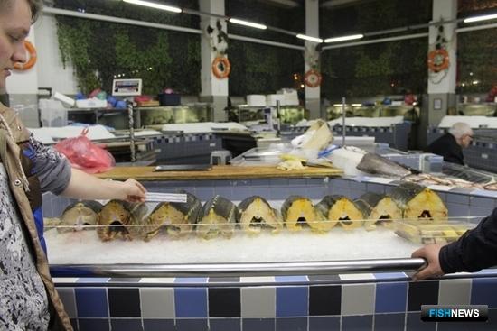 На Дорогомиловском рынке изъяты 1 тонна осетровых и 60 кг. черной икры. Фото пресс-службы Московско-Окского теруправления Росрыболовства