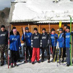 Спортсмены Преображенской БТФ с молодой сменой из Дальневосточного мореходного училища