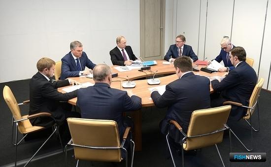 Бизнес-омбудсмен Борис ТИТОВ представил традиционный доклад президенту Владимиру ПУТИНУ. Фото пресс-службы Кремля