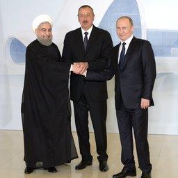 Президент Ирана Хасан РУХАНИ, президент Азербайджана Ильхам АЛИЕВ и президент России Владимир ПУТИН на встрече в Баку. Фото пресс-службы Кремля