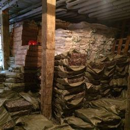 В трюмах задержанных сейнеров КНР было найдено около 60 тонн нелегальных уловов. Фото пресс-группы Погрануправления ФСБ России по Приморскому краю