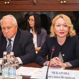 Председатель правления Ассоциации «Росрыбхоз» Василий Глущенко и директор по качеству X5 Retail Group N.V. Светлана Чебарова