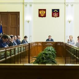 Отчет о деятельности комитета рыбохозяйственного комплекса заслушали в Мурманске. Фото пресс-службы областного правительства