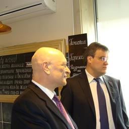 Руководитель центра общественных связей Росрыболовства Александр Савельев и председатель «Рыбного союза» Юрий Алашеев