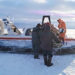 В Ленинградской области спасатели пришли на помощь рыболовам, отрезанным от берега. Фото пресс-службы МЧС России