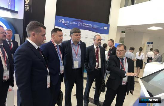 Руководитель Росрыболовства Илья ШЕСТАКОВ знакомится с работой рыбной биржи