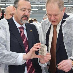 Руководитель Росрыболовства Андрей КРАЙНИЙ и президент компании «Ла Маре» Меди ДУСС