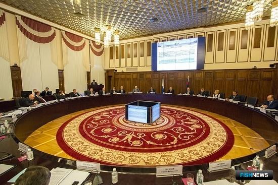 Рыбная отрасль стала темой совместного заседания коллегий Минвостокразвития и Генпрокуратуры. Фото с сайта ГП РФ.