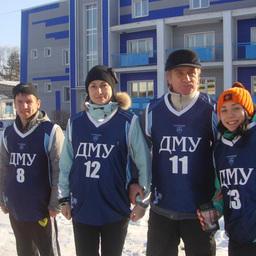 Спортсмены ДМУ во главе с наставником Александром КАЧАНОВЫМ