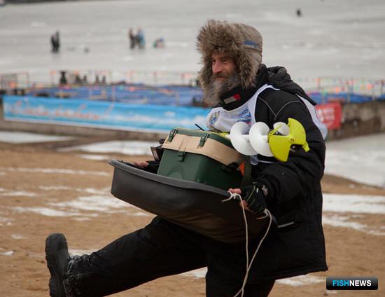 Победителям конкурса бурильщиков достались новенькие льдобуры