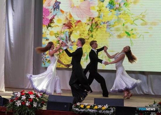 Торжественное мероприятие в преддверии Дня рыбака состоялось в Южно-Сахалинске. Фото пресс-службы областного правительства