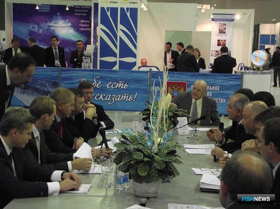 Совещание по вопросу MSC-сертификации промысла минтая в Охотском и Беринговом морях