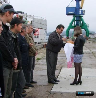 Торжественная встреча судна прошла на причале Преображенской базы тралового флота. Фото пресс-службы ПБТФ