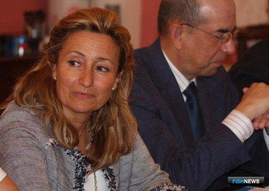Руководитель испанской делегации, начальник управления рыбной инспекции и рыбнадзора Мария дель Кораль Руис Васкес