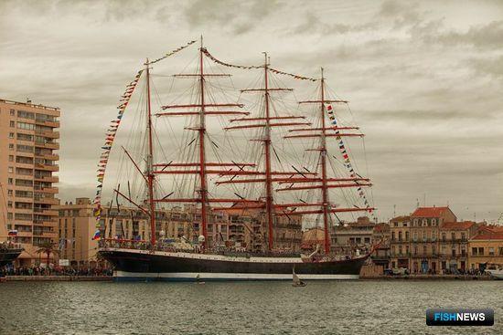 «Седов» принял участие в фестивале морских традиций во французском городе Сет. Фото пресс-службы МГТУ