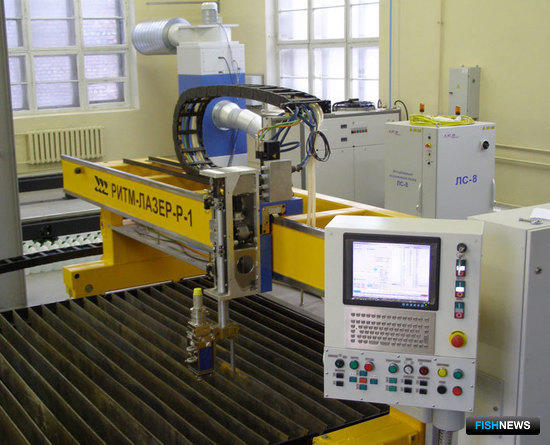 Машина лазерной резки «Ритм-Лазер-Р1» (проект и производство ОАО «ЦТСС»)