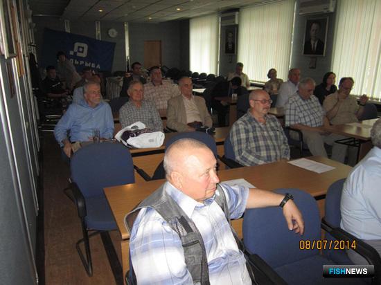 Бывшие работники компании снова встретились во Владивостоке спустя десятки лет. Фото Бориса Шарапова.