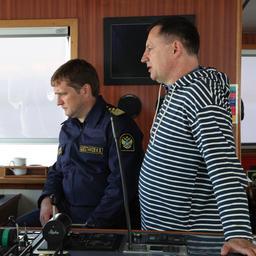 Руководитель Федерального агентства по рыболовству Илья ШЕСТАКОВ и заместитель руководителя Петр САВЧУК на борту траулера «Асбьерн»