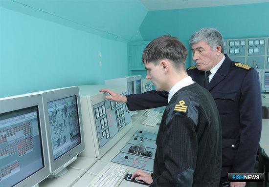 Учебный процесс во Владивостокском морском рыбопромышленном коллежде