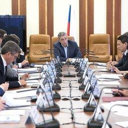 Рабочая группа Совета Федерации рассмотрела доработанные проекты подзаконных актов по инвестквотам. Фото пресс-службы СФ