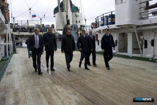 Глава Минсельхоза побывал на борту БМРТ «Матвей Кузьмин». Фото пресс-службы правительства Камчатки