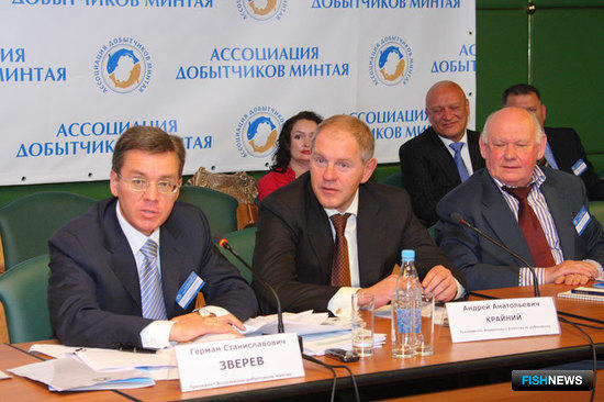 Слева направо: Герман ЗВЕРЕВ, Андрей КРАЙНИЙ, Юрий КОКОРЕВ (годовое собрание АДМ, 2008 г.)